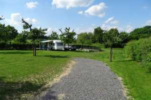 Privéweg op campingterrein