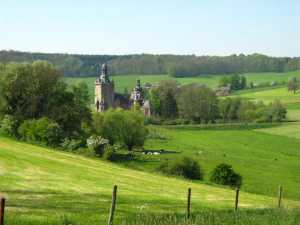 Zicht op kasteel Beusdael net over de Belgische grens
