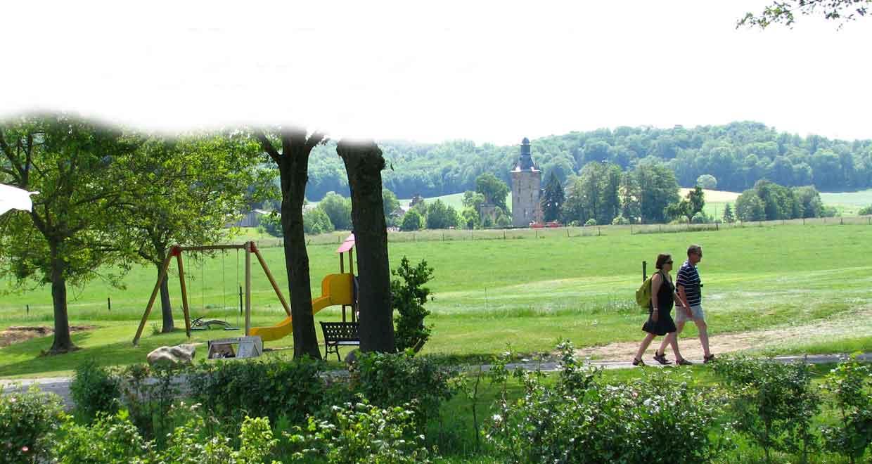 Uitzicht op kasteel Beusdael vanaf vakantieboerderij Klein Kullen